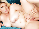 Plumper Babe Miranda Kelly Twerks Her Big Ass on an Old Cock