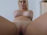 Hot blonde milf starts doing horny thing