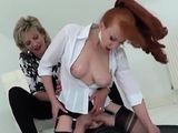 Unfaithful uk mature lady sonia reveals her huge boob88XLS