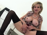 Adulterous british milf lady sonia exposes her40hSY40hSY