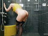 Cute teen dancing in the shower, sucking dick and hard fuck